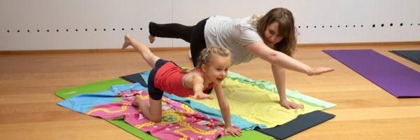 ouder en kind yogaworkshop in utrecht samen met je kind
