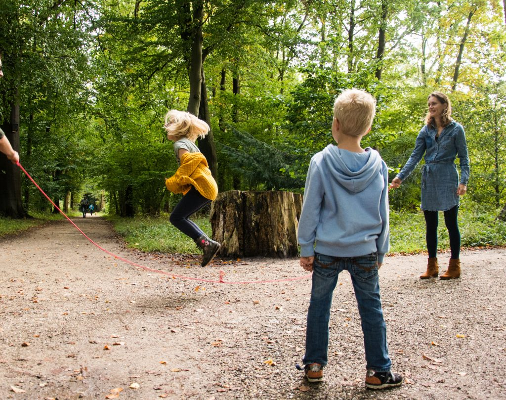 Je kind komt tot rust en tot ontspannen met creatieve holistische kindercoaching in Utrecht