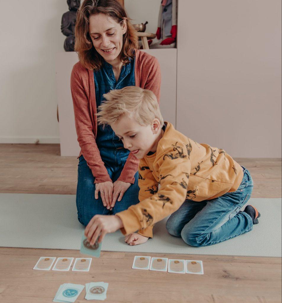 ontdek je kwaliteiten en talenten in een talentgesprek in utrecht hoograven kindercoach praktijk op het yogamatje